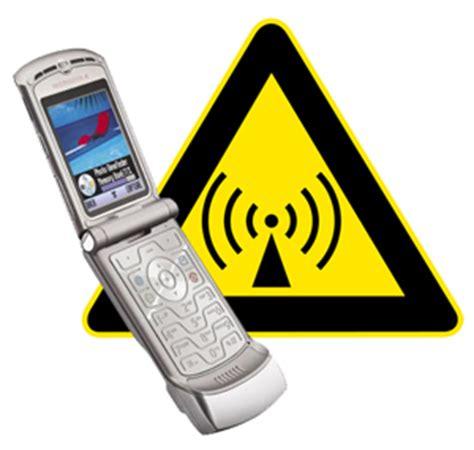 Persuasive essay on cell phones in school Persuasive Essay!